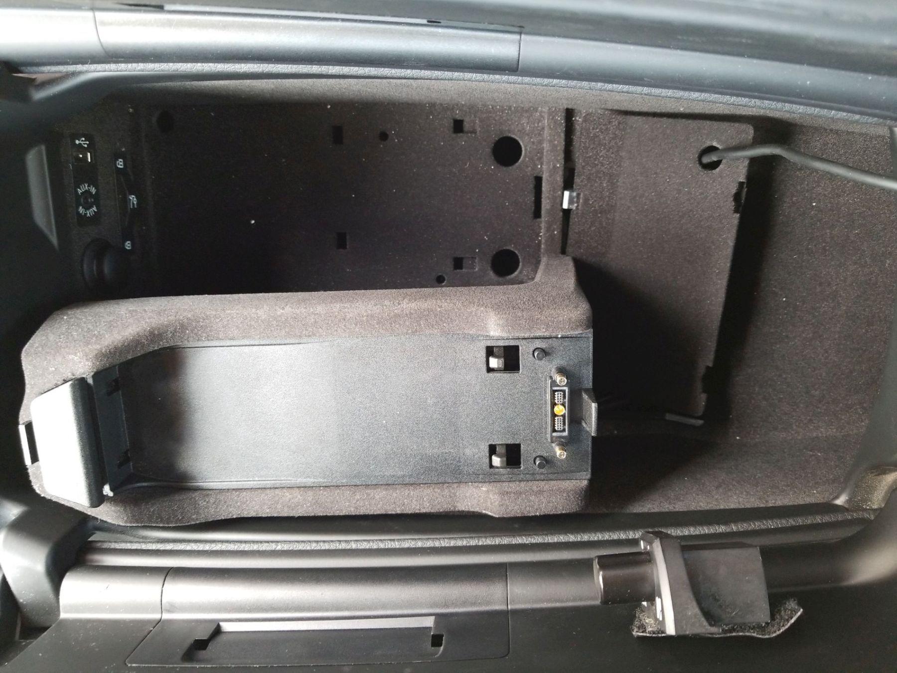 Remove Snap-in Adapter Base DIY - 6Post com | BMW 6-Series Forum