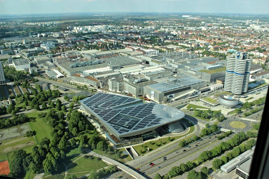Name:  BMW Welt and Museum and WERK  IMG_8928.jpg Views: 4484 Size:  179.6 KB