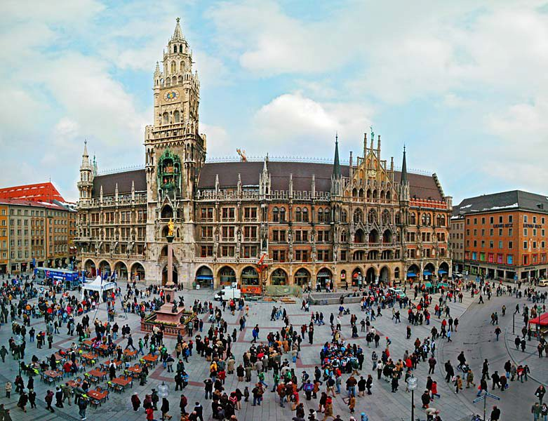 Name:  Marienplatz3279647691965_569965791_n.jpg Views: 3360 Size:  125.8 KB
