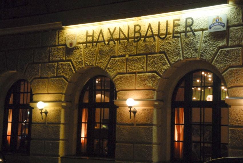 Name:  Haxnbauer im Scholastikahaus .jpg Views: 3407 Size:  412.3 KB