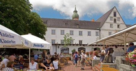 Name:  Kloster Andrechs  10_by_andechs_kloster_biergarten_roland_rossner_3_452x.jpg Views: 3960 Size:  33.9 KB