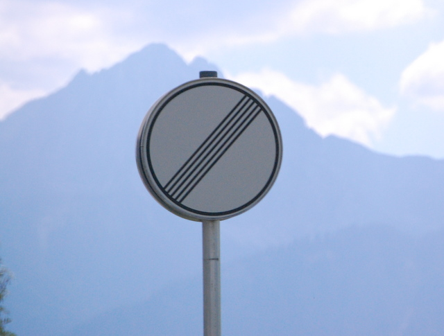 Name:  autobahn-end-of-restrictions-sign.jpg Views: 9164 Size:  83.5 KB