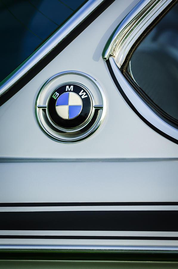 Name:  1973_BMW30_CSL_SideEmblem.jpg Views: 63962 Size:  75.3 KB