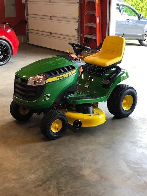 Name:  John Deere E120 Lawn Tractor Pic 2.jpg Views: 697 Size:  93.9 KB