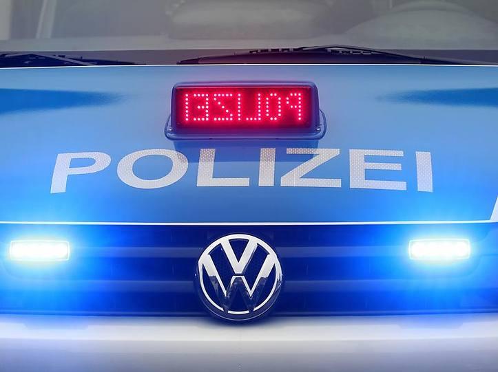 Name:  polizei blaulicht.jpg Views: 4002 Size:  37.3 KB