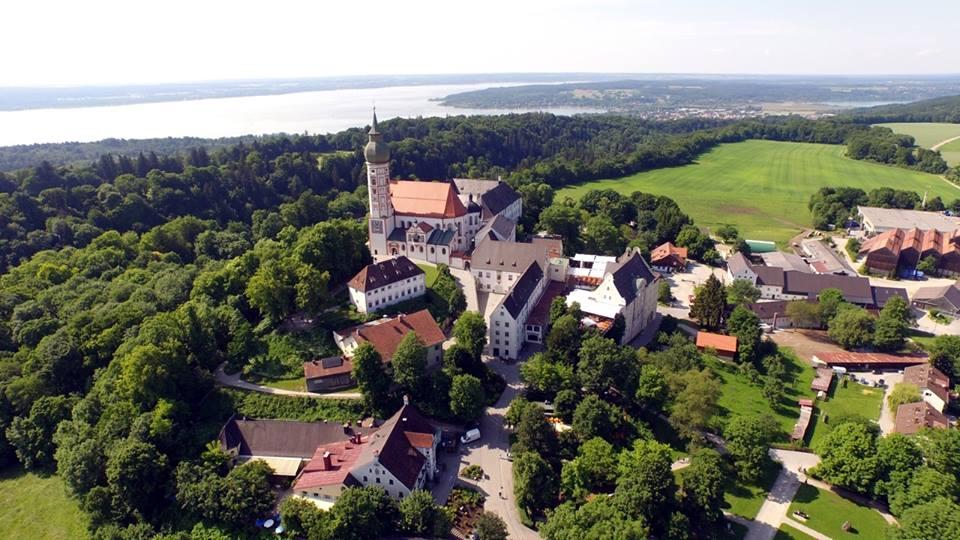 Name:  Kloster Andrechs11406952_10153334956172383_5282984285131791715_n.jpg Views: 2893 Size:  101.7 KB